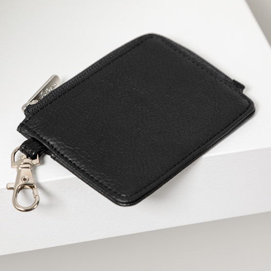Light Traveler Card Wallet - Black Distressed Pebble