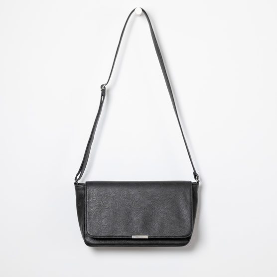 Day By Day Crossbody - Black Distressed Pebble